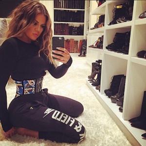 Khloe-Kardashian-Waist-Training-Corset-1