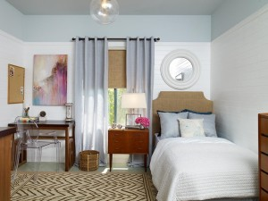 DP_Erica-Islas-blue-beige-contemporary-bedroom-1_s4x3.jpg.rend.hgtvcom.1280.960