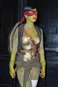 rhianna-celebrity-halloween-costume-2014
